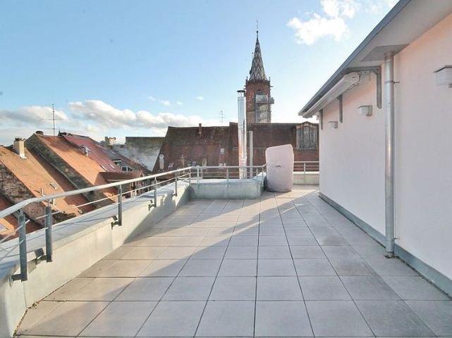 Dachterrasse mit Zugängen vom Bad und Zimmer (1)