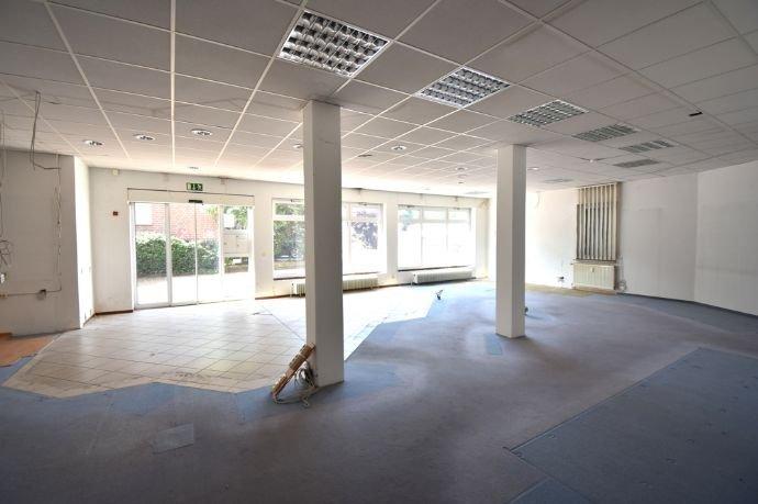 Praxis-/ Bürofläche