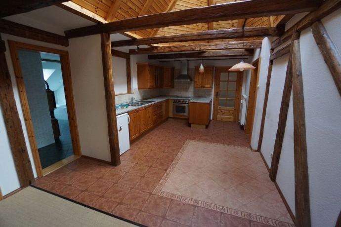 offene Küche zum Wohnzimmer m. Lichtkuppel