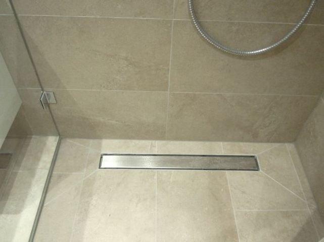 Bodenablauf Dusche kl. Bad OG