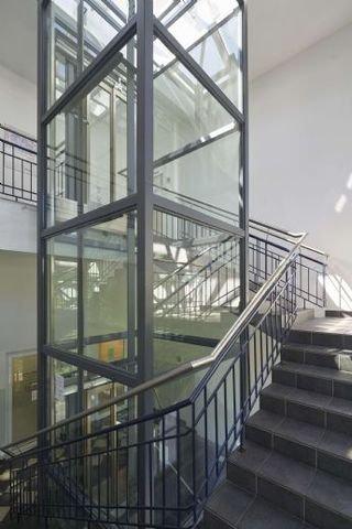 Treppenhaus - Aufzug