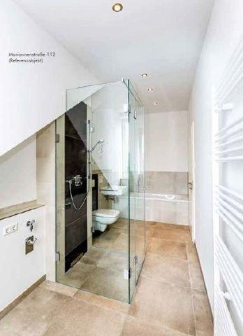 Bad mit Dusche und Badewanne - Referenz