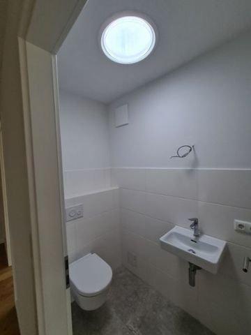 WC mit Oberlicht