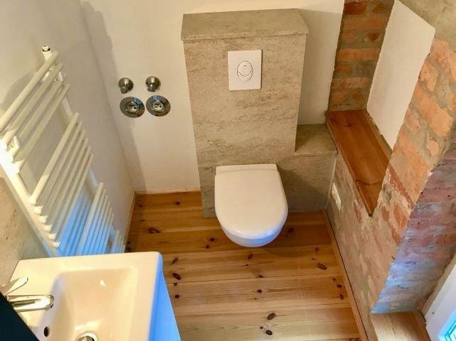 wunderschönes Dachzimmer mit eigenem WC