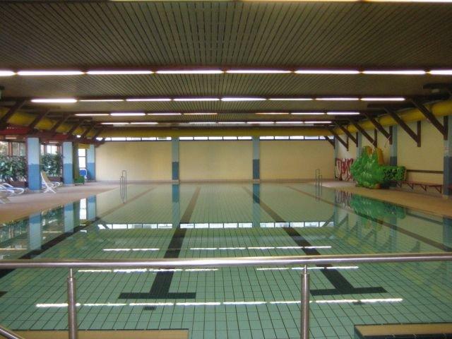 Hallenbad 10 x 25 m