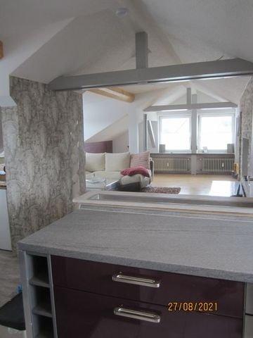 Blick v.d.Küche zum Wohnbereich