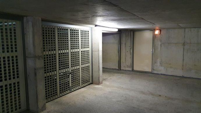 TG  - Zugang zum Haus 5