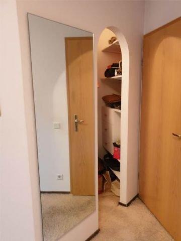 Schlafzimmer/beg. Kleiderschrank