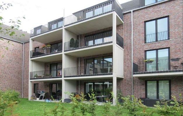 01_Balkon zum Innenhof