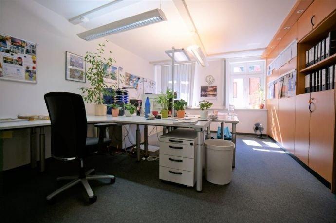 Büroplätze OG.