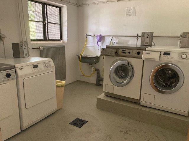 Waschmaschinen - und Wäschetrocknerraum