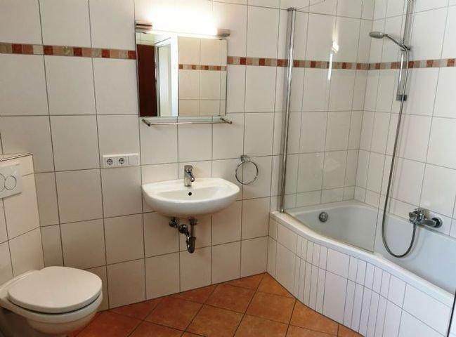 5947 Teilansicht Bad