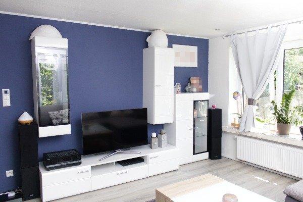 Wohnzimmeransicht--neu renoviert