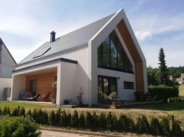 Süd-Ostansicht eines erstellten Hauses
