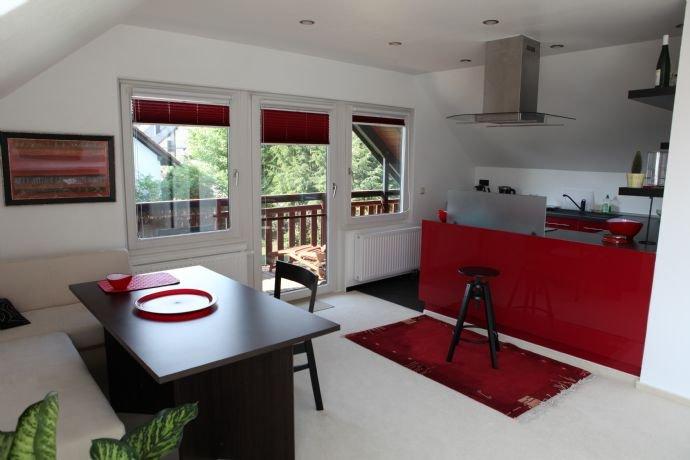 Offene Küche, Essplatz, Balkon