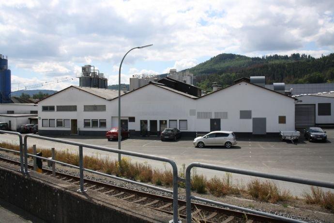 Gebäude mit Produktionsfläche