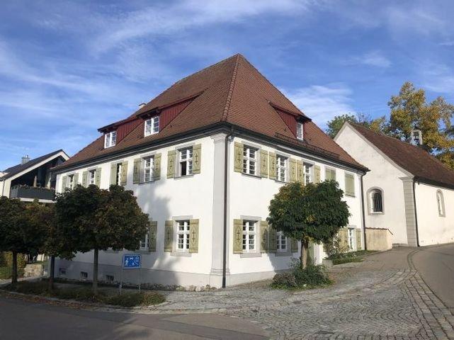 Pestalozzistraße 1