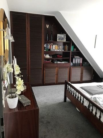 Schlafzimmer m. Einbauschrank