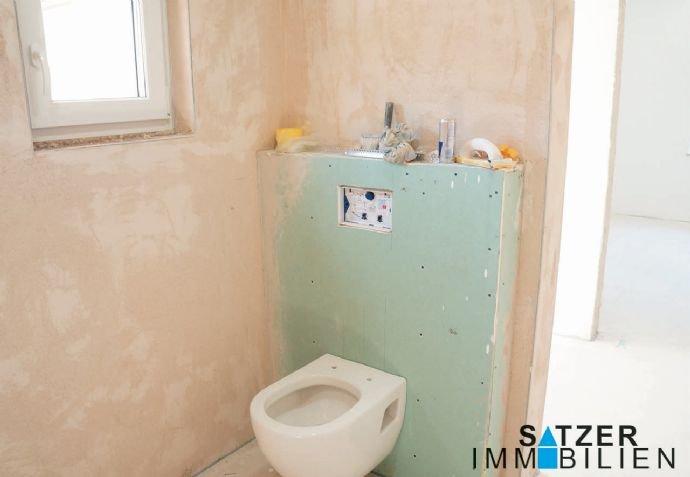 Bad/WC mit vorbereiteter bodentiefe WC 1.OG