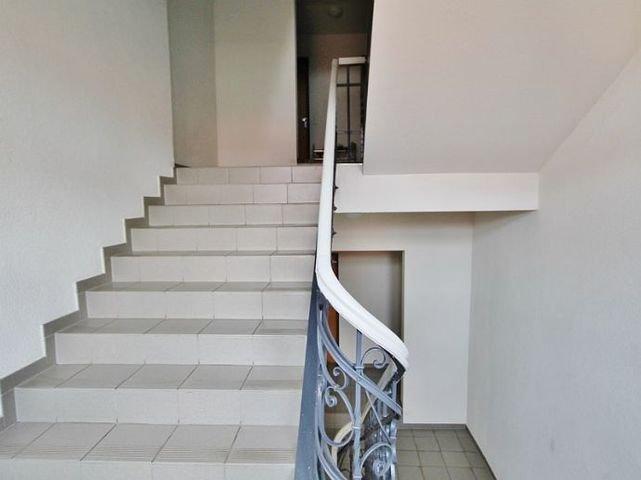 Breites, historisches Treppenhaus