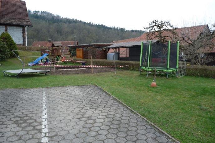 Stellplätze und Gartenbereich