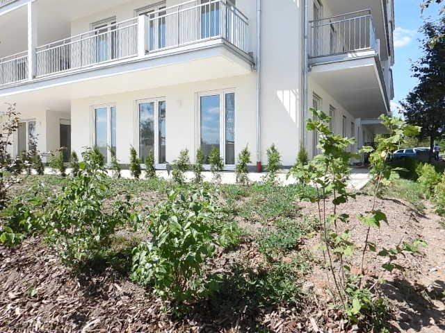 Erdgeschosswohnung mit Terrasse & Garten