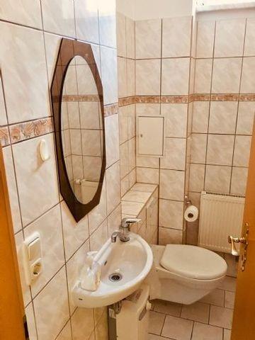 (Kunden-)Toilette