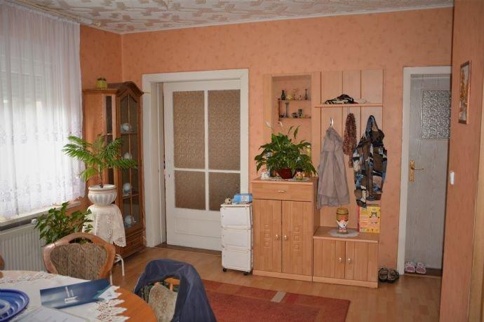 Esszimer mit Schiebetür ins Wohnzimmer