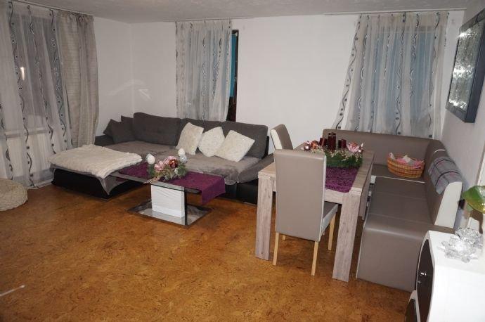 Geräumiges Wohnzimmer I