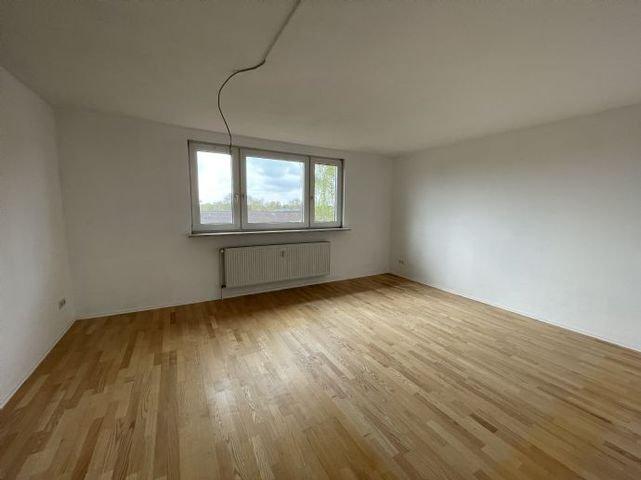 Wohnzimmer (Ansicht 1)