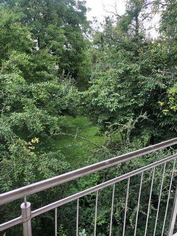 Balkon mit Gartenansicht