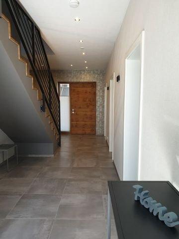Weiterer Stauraum unter der Treppe möglich