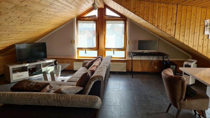 Wohnung DG (Studio): offener Wohn- Essbereich