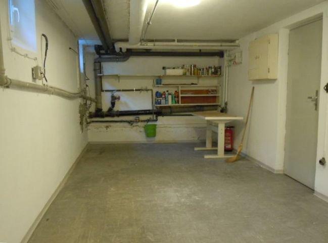 Hauswirtschaftsraum Keller 2JPG