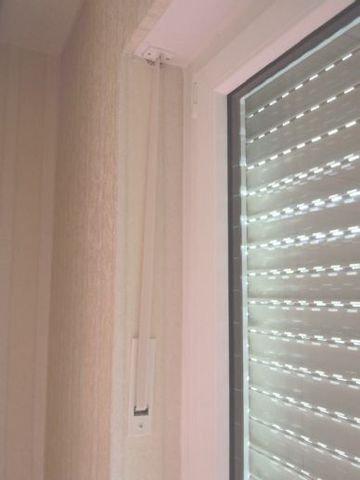 Rollladengurte in der Fensterleibung