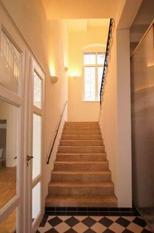 Beispiel Eingangsbereich/Treppenhaus