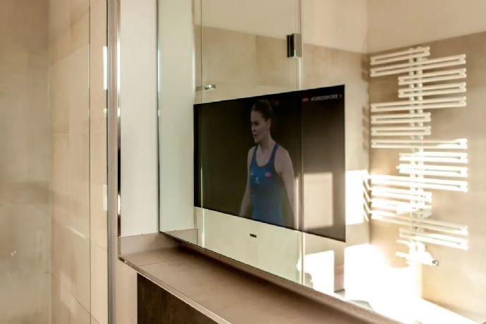 TV im Badspiegel - Referenz