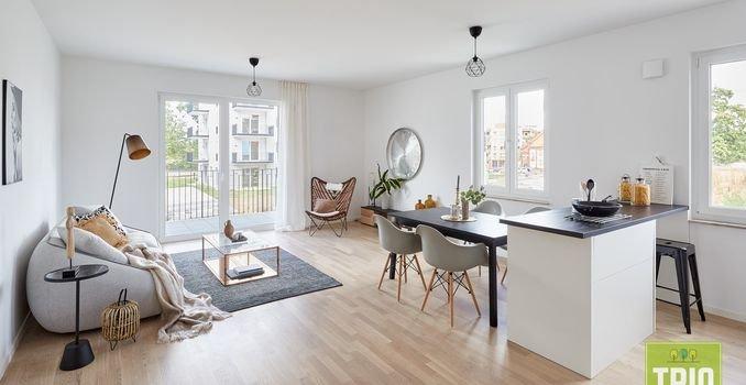 Muster Wohnbereich mit offener Küche